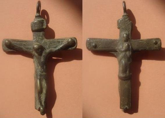 de que epoca es esta cruz? Crucif38