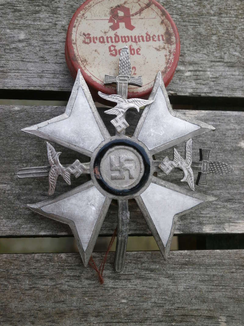 Postez vos badges LW! - Page 3 01710
