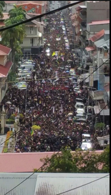 La Guyane bloquée - Etat de non droit - Page 2 Captur23