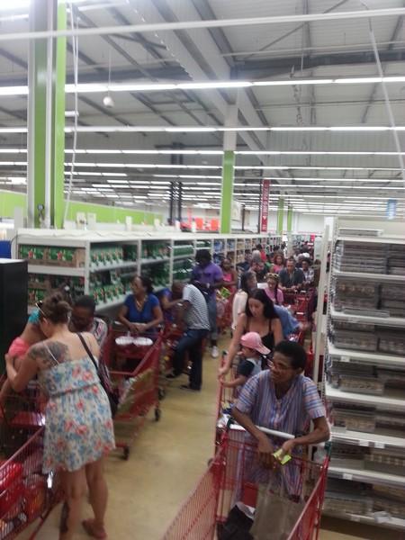 La Guyane bloquée - Etat de non droit - Page 2 Wp_20112