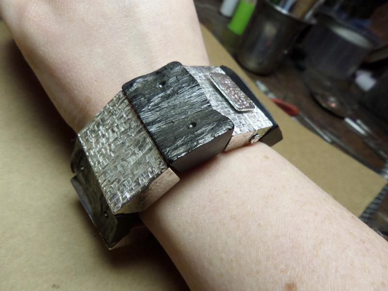 Bracelet en bois cassé ! Sam_0711