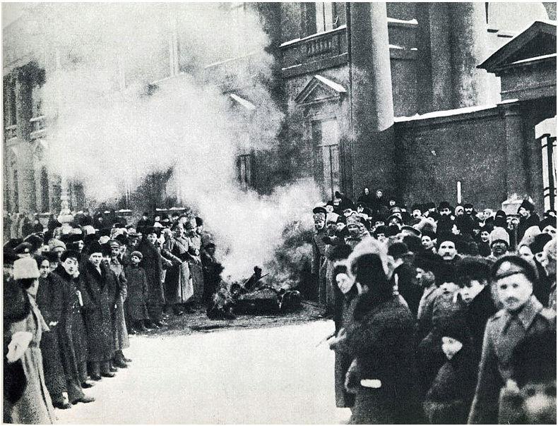 Il y a 100 ans, abdication du tsar Nicolas II Unname13