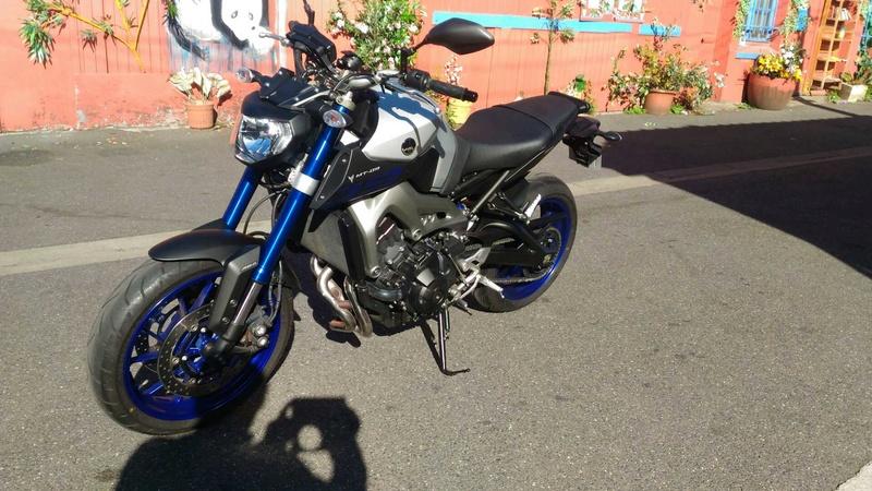 Race blue de bibi Mms_2011