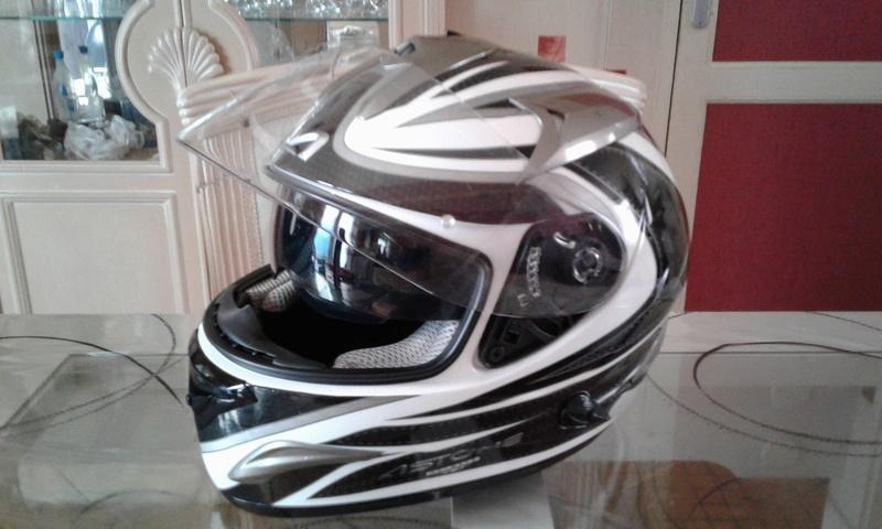 "A VENDRE casque moto ASTONE GTB EXCLUSIVE FASTBLACK noir/blanc "" VENDU "" 20170211"