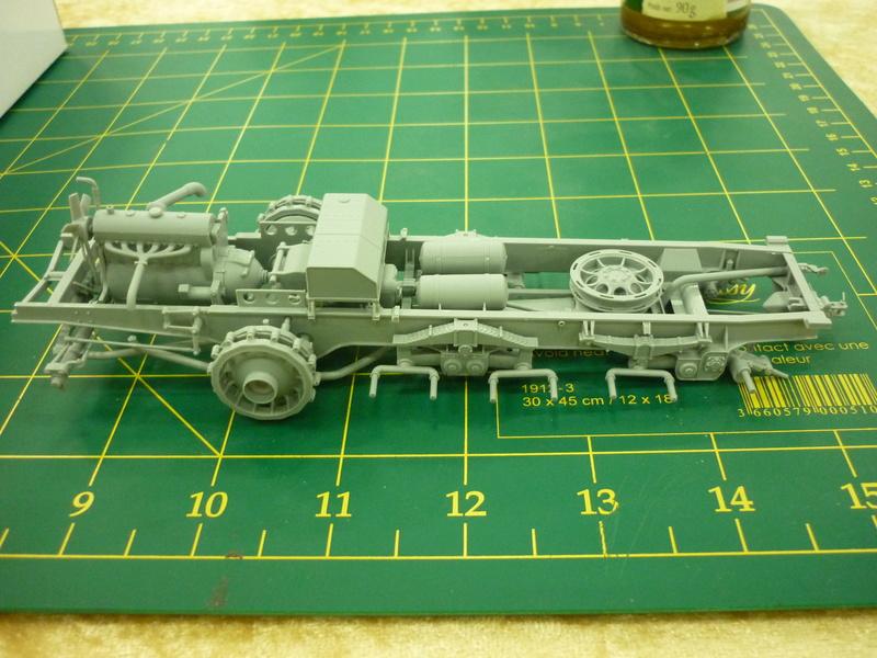 "Chasse au partisan - Yougoslavie 1943 ""Prinz Eugen"" - Autoblinda Ab 43 italeri + Sd.Kfz 7/1 2cm Flakvierling 38 +  6 personnages Alpine 1/35 P1080210"