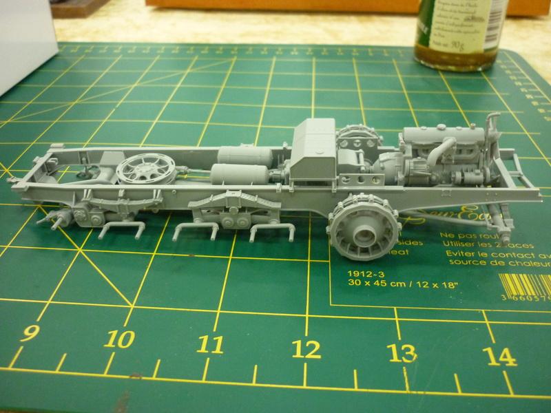 "Chasse au partisan - Yougoslavie 1943 ""Prinz Eugen"" - Autoblinda Ab 43 italeri + Sd.Kfz 7/1 2cm Flakvierling 38 +  6 personnages Alpine 1/35 P1080211"