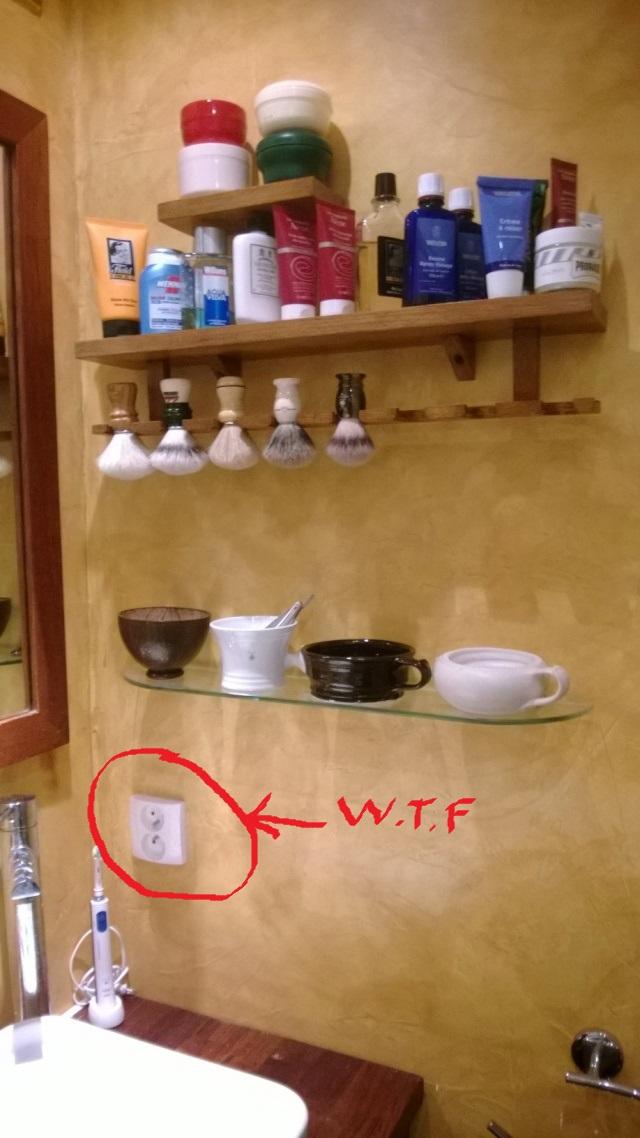 Photos de votre armoire spéciale rasage (ou de la partie réservée au rasage) - Page 4 Wp_20110