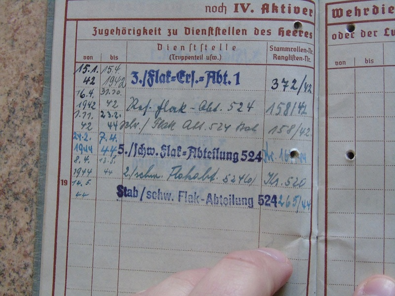 Traduction Wehrpass et Soldbuch Luftwaffe Dsc03215