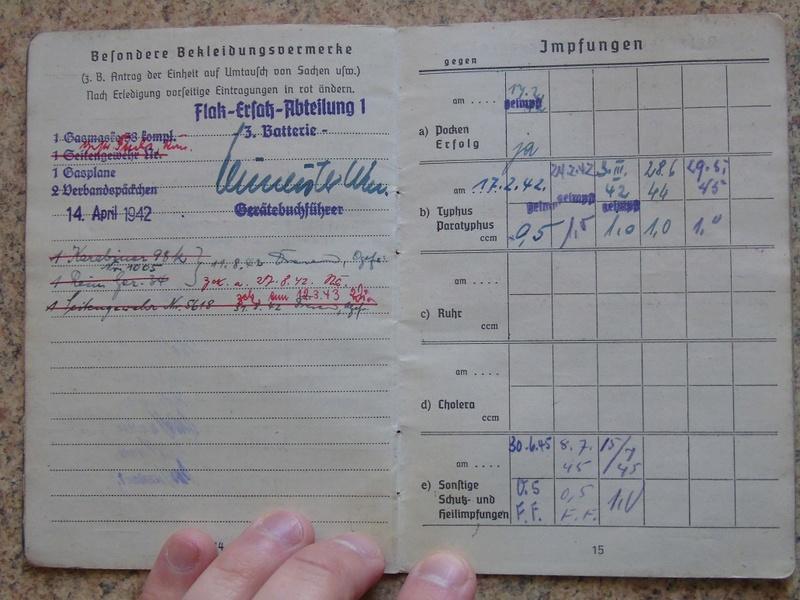 Traduction Wehrpass et Soldbuch Luftwaffe Dsc03227