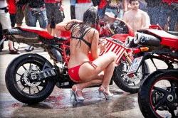 Bien laver sa moto Bien-l10