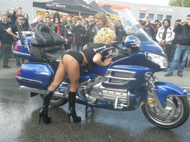 Bien laver sa moto Gl141310