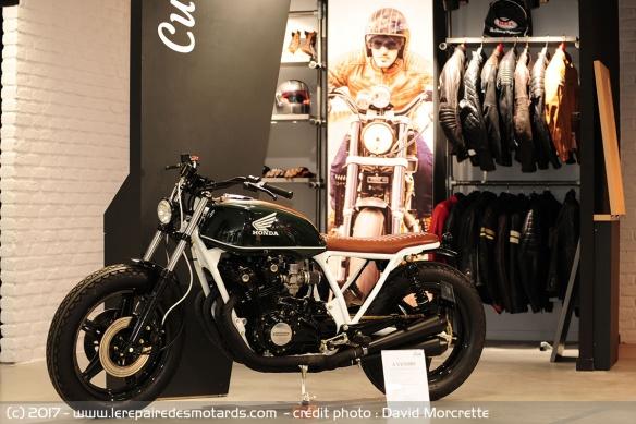 Motoblouz ouvre son premier magasin Univer10