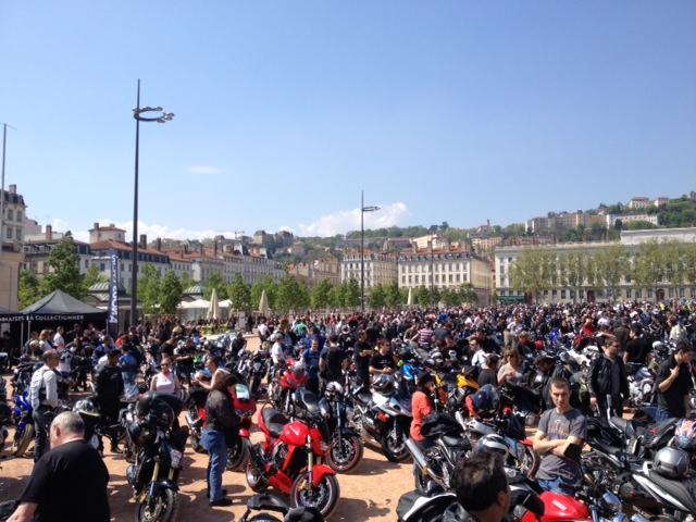 Manif FFMC 12/04 Lyon Downlo12