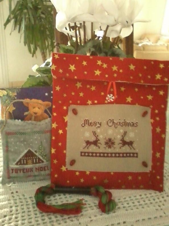 Ech. de pochettes de Noël - *%*  PHOTOS  *%* - Page 3 Captur10