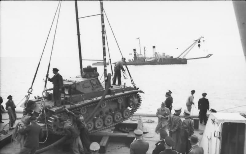 В Tauchpanzer III во время испытаний Tauchp10