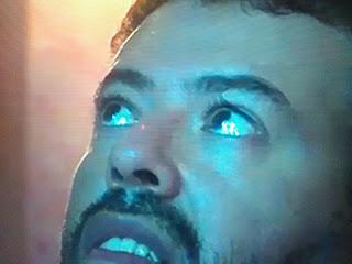 SONDAGE : Silhouette de la V. Marie apparaît dans les yeux de Marcos. La voyez-vous? Y croyez-vous ? 03632c10