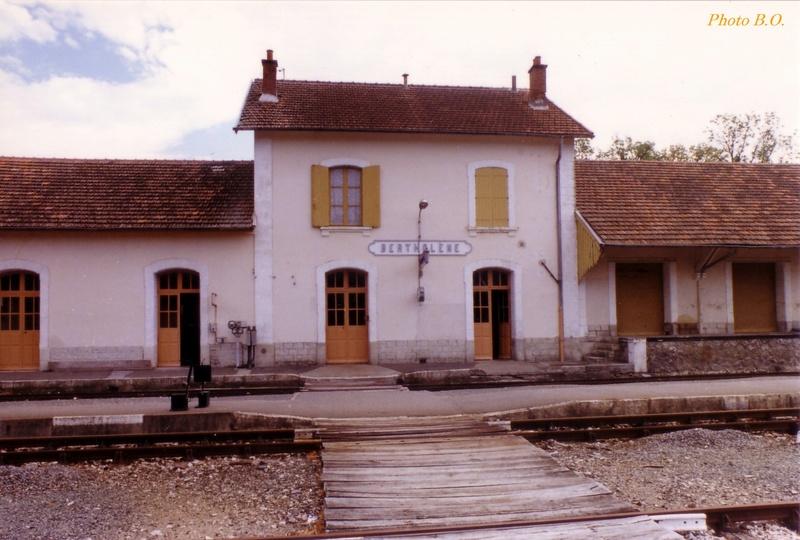 Pk 606,4 : Gare de Bertholène (12) - 1987 0213