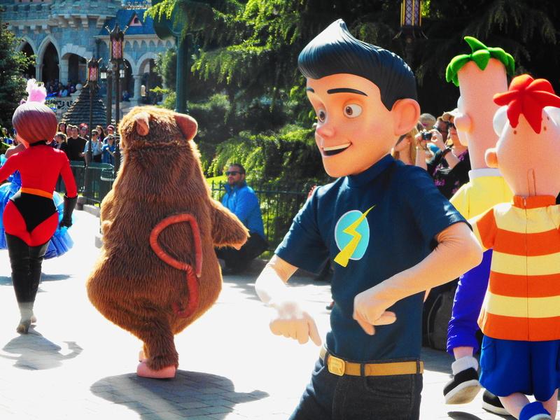 Vos photos avec les Personnages Disney - Page 38 Dscn0136