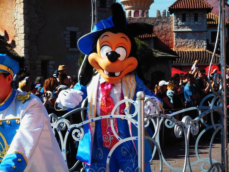 Vos photos avec les Personnages Disney - Page 38 Dscn0150