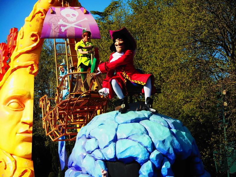 Vos photos avec les Personnages Disney - Page 38 Dscn0231