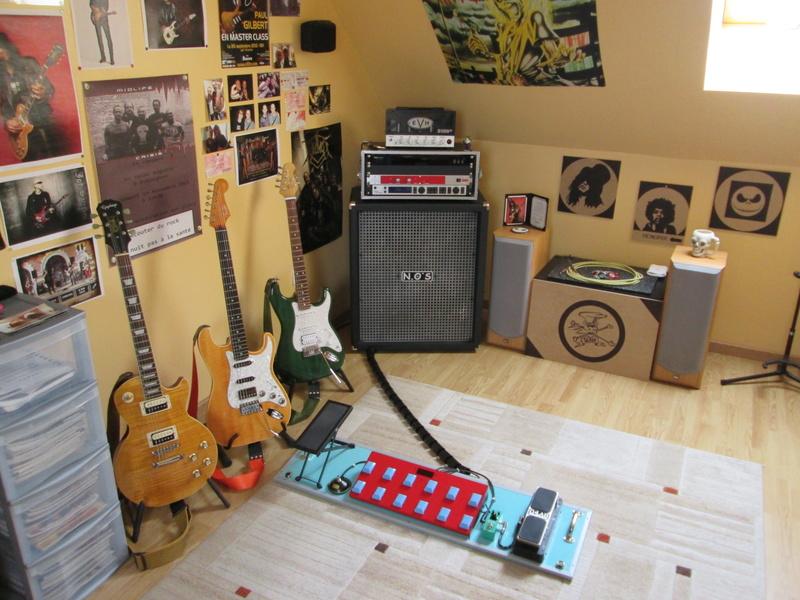 """Votre """"coin"""" guitare! Postez vos photos! Img_2618"""