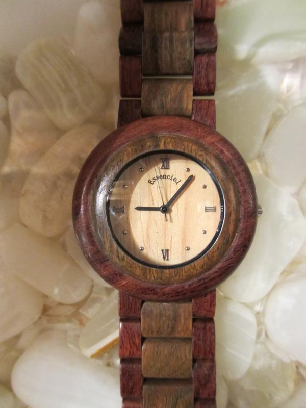 Les montres en bois made in Jura Essenc10
