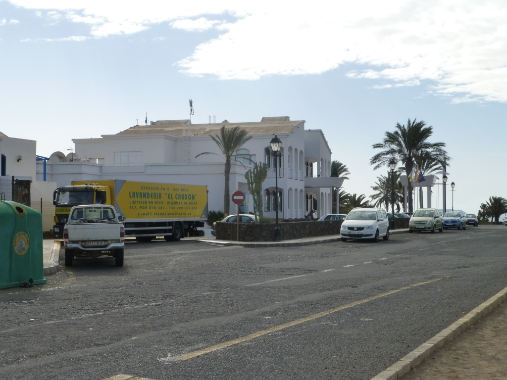 Canary Islands, Lanzarote, Playa Blanca, 2013 - Page 2 01410
