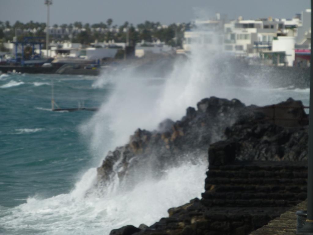 Canary Islands, Lanzarote, Playa Blanca, 2013 - Page 2 01912