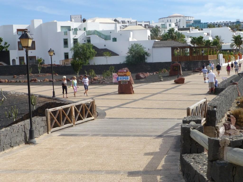 Canary Islands, Lanzarote, Playa Blanca, 2013 - Page 2 02012