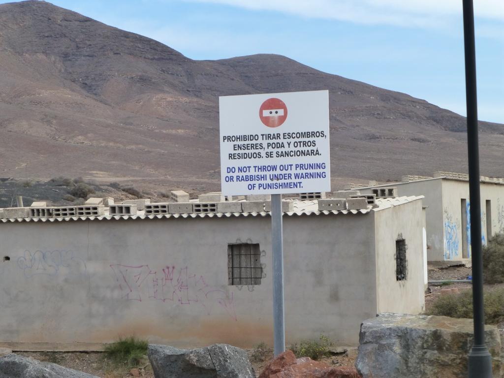 Canary Islands, Lanzarote, Playa Blanca, 2013 - Page 2 04917