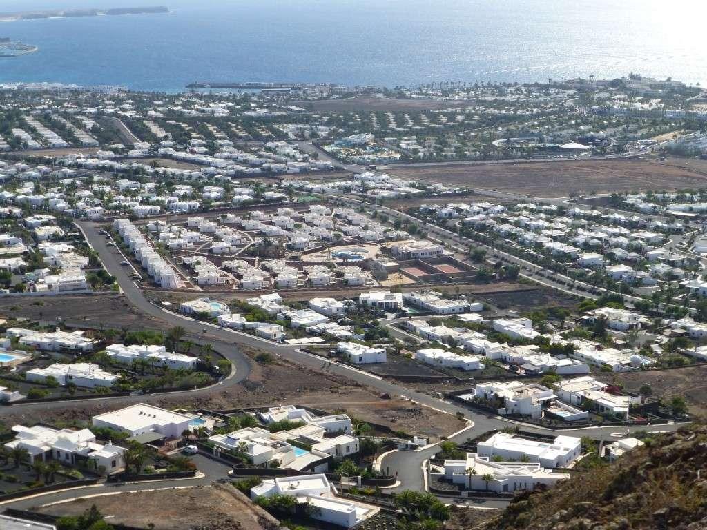 Canary Islands, Lanzarote, Playa Blanca, 2013 - Page 2 05214