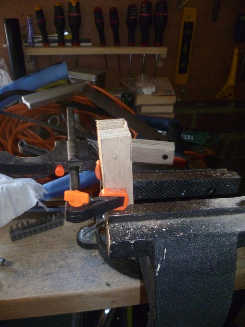 Rangement serre-joint avec 3 bouts de chutes. P1100120