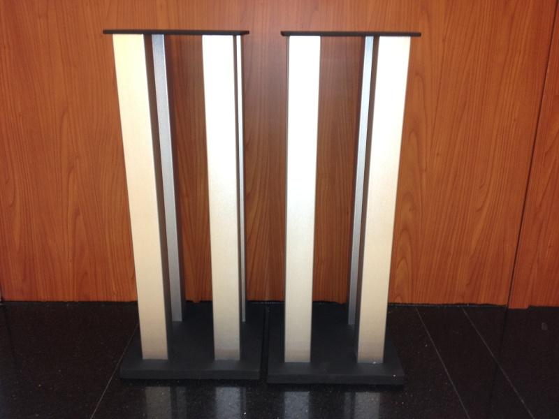 "Aluminuim 24"" speaker stand  Img_0614"