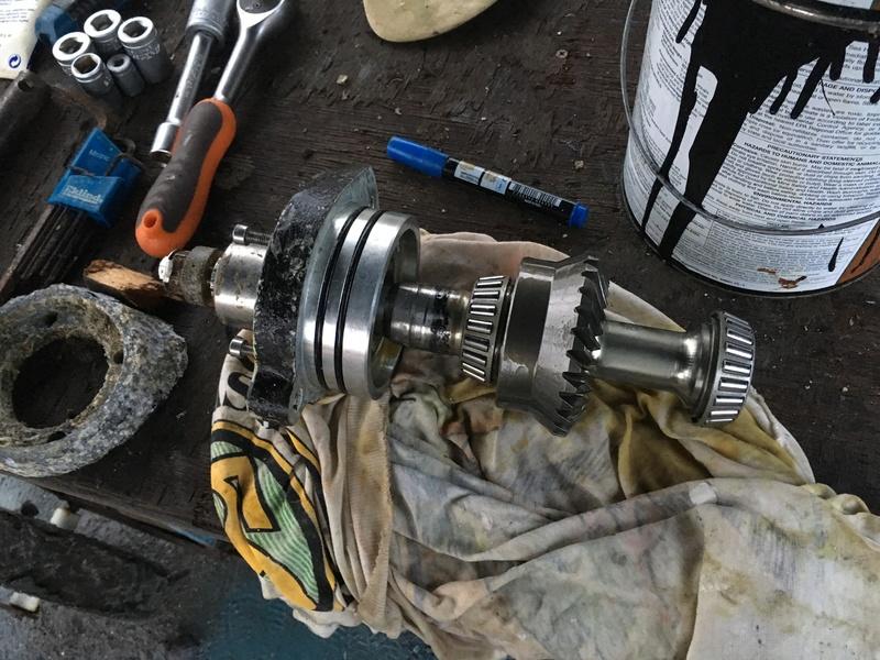 Fuite d'huile sous le sail drive Image49