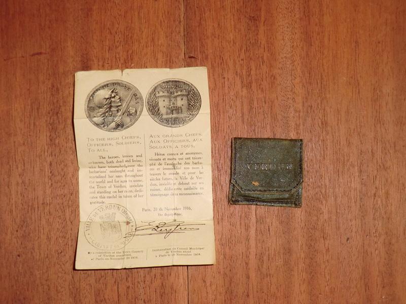 Médaille de Verdun : pochette et notice ! Cimg2619