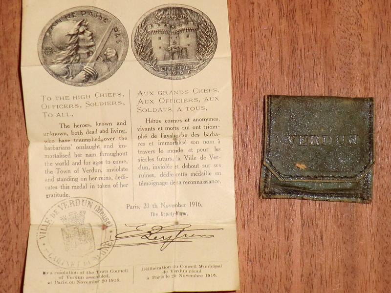 Médaille de Verdun : pochette et notice ! Cimg2620