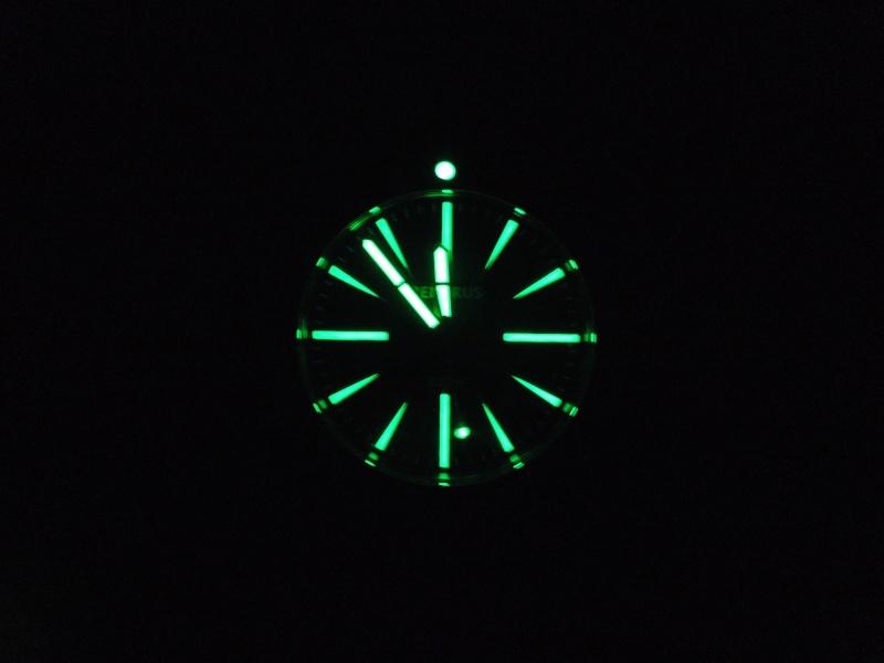 Petite revue de la Benarus Moray Blue Dart Dial (toolwatch inside) Dscn5236