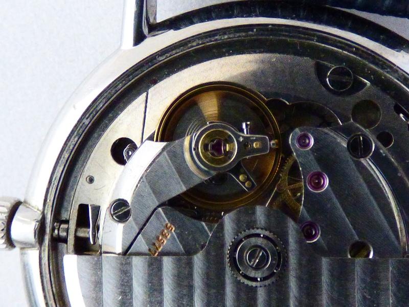 Histoire du calibre L990 de Longines calibre automatique le plus plat du monde - Page 2 P1010016