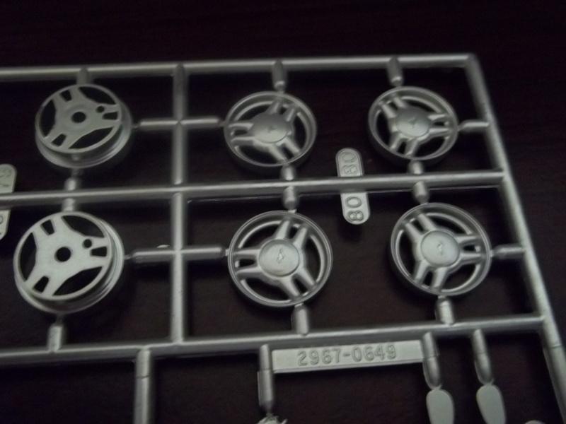 1994 Mustang GT Monogram 1:24 - Page 2 00322