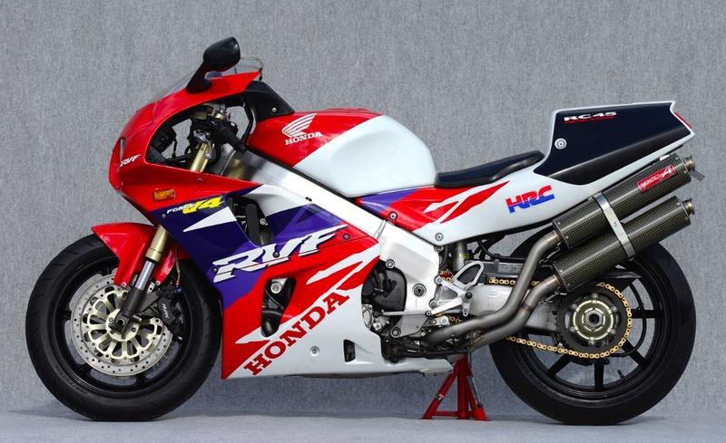 Votre plus belle moto du monde. Captur25