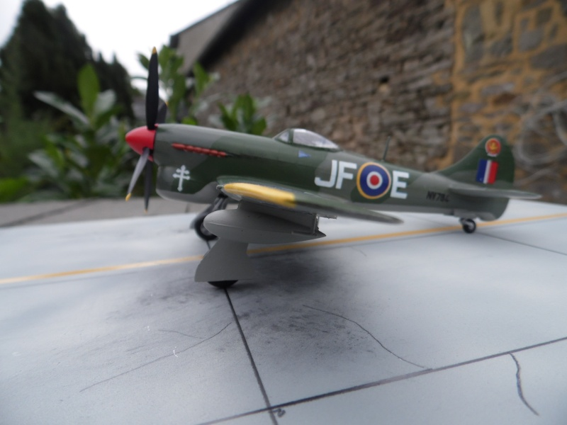 Hawker tempest Mkv (kit heller 1/72- avion de Pierre CLOSTERMAN) Sam_0050