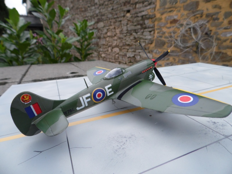 Hawker tempest Mkv (kit heller 1/72- avion de Pierre CLOSTERMAN) Sam_0051