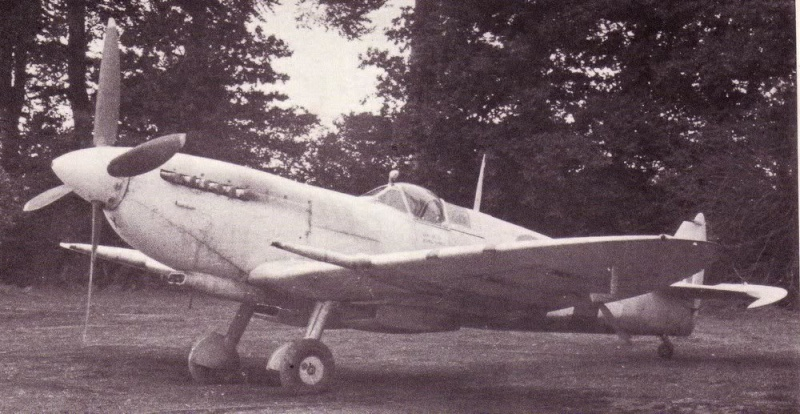 Supermarine Spitfire PR MkXIX 1/72 Spit_f10