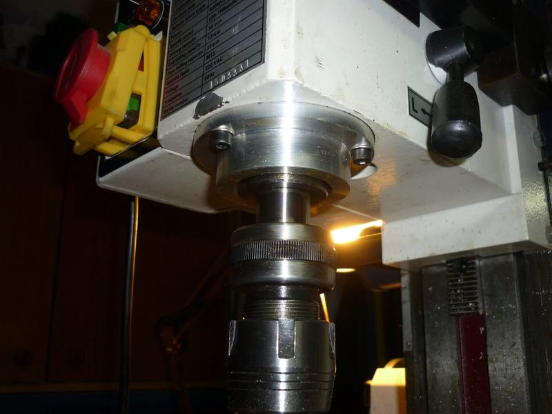 Aide pour recherche Perceuse Fraiseuse pour usinage pièces P1030215