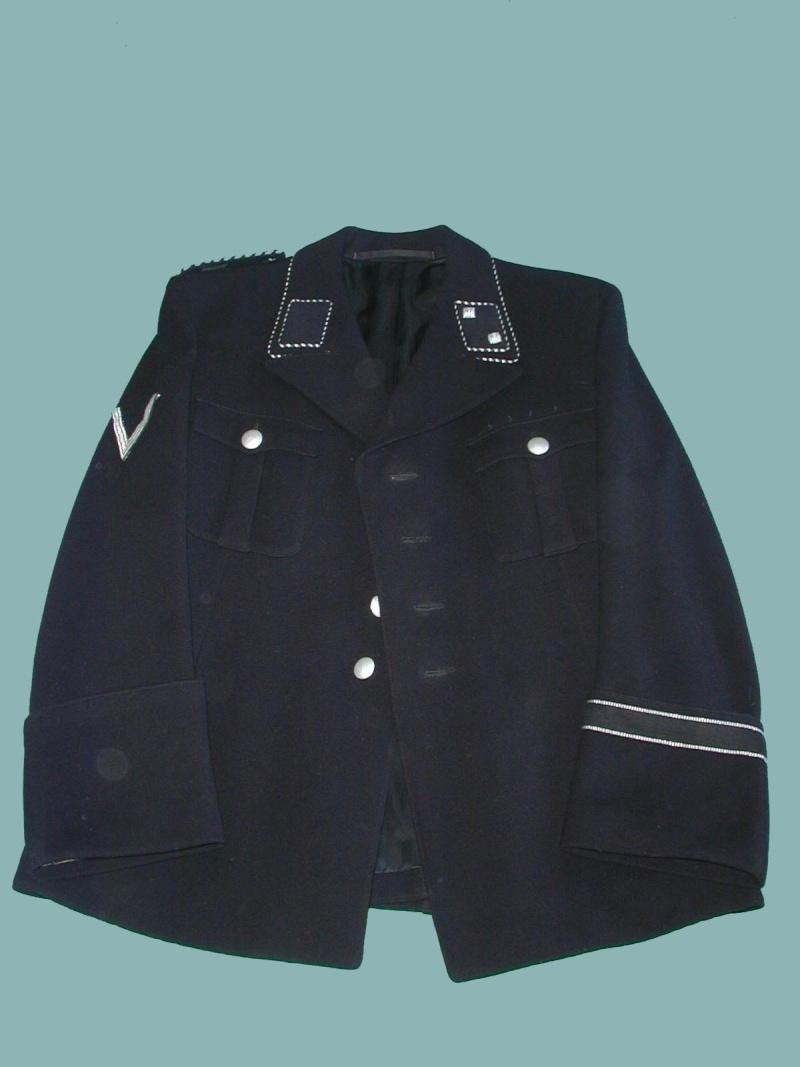 Identification d'un uniforme militaire allemand (1940 ?) Pre-wa10