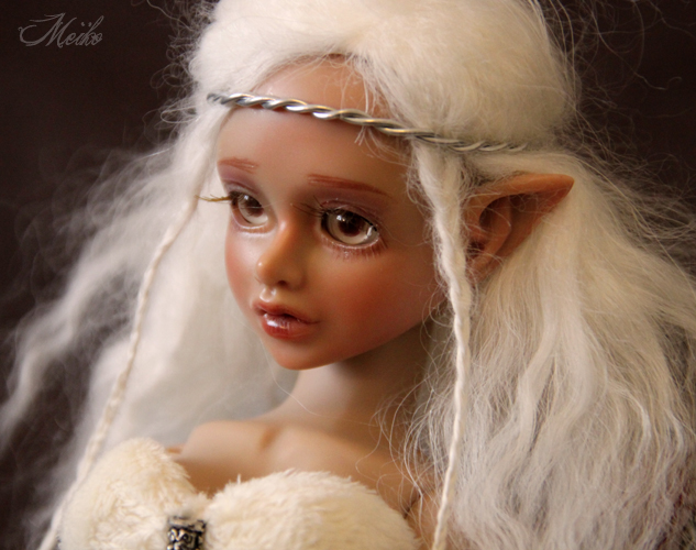 Lossë (Magic Mirror light tan Saoirse) Sao110