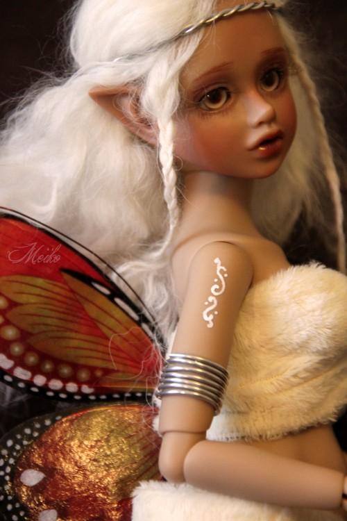 Lossë (Magic Mirror light tan Saoirse) Sao511