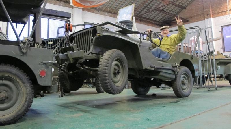 Une Jeep de manutention. Img_3137