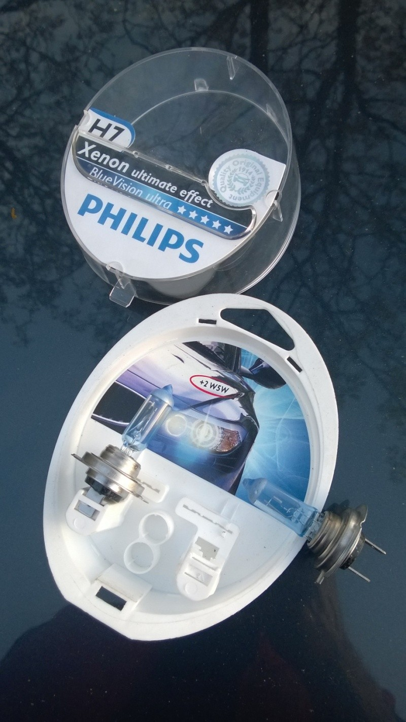 (VENDS) 2 ampoules philips blue vision ultra Wp_20175