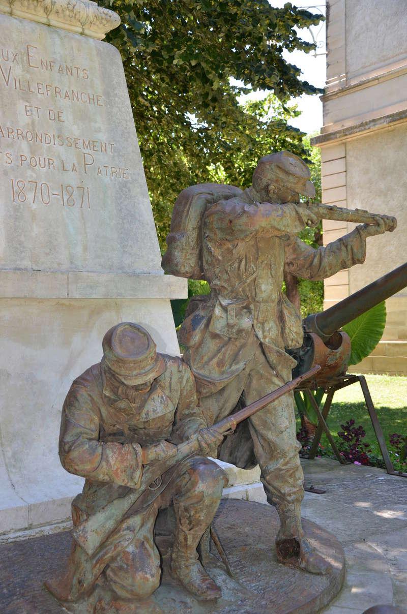 [Histoires et Histoire] Monuments aux morts originaux Français Tome 1 - Page 38 Dsc_0512